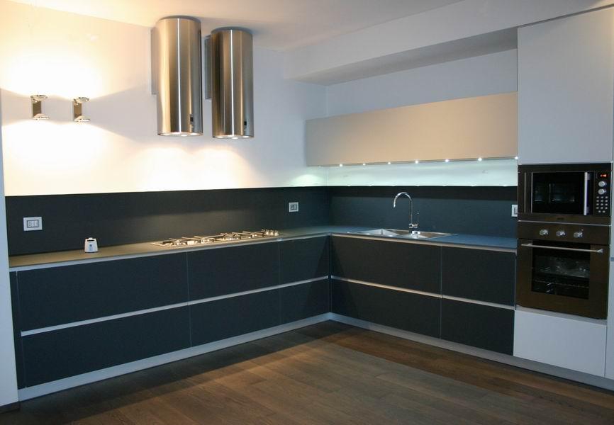 Forum Arredamento.it •nuova cucina..poco piano d\'appoggio?finita con ...