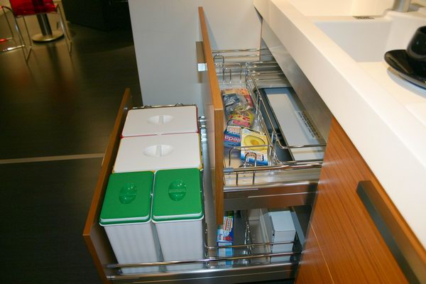 Cucina sistema z di snaidero carminati e - Carrelli estraibili per cucine ...