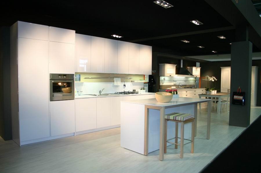 Fiera del mobile bergamo stand cucine snaidero mod for Fiera arredamento bergamo
