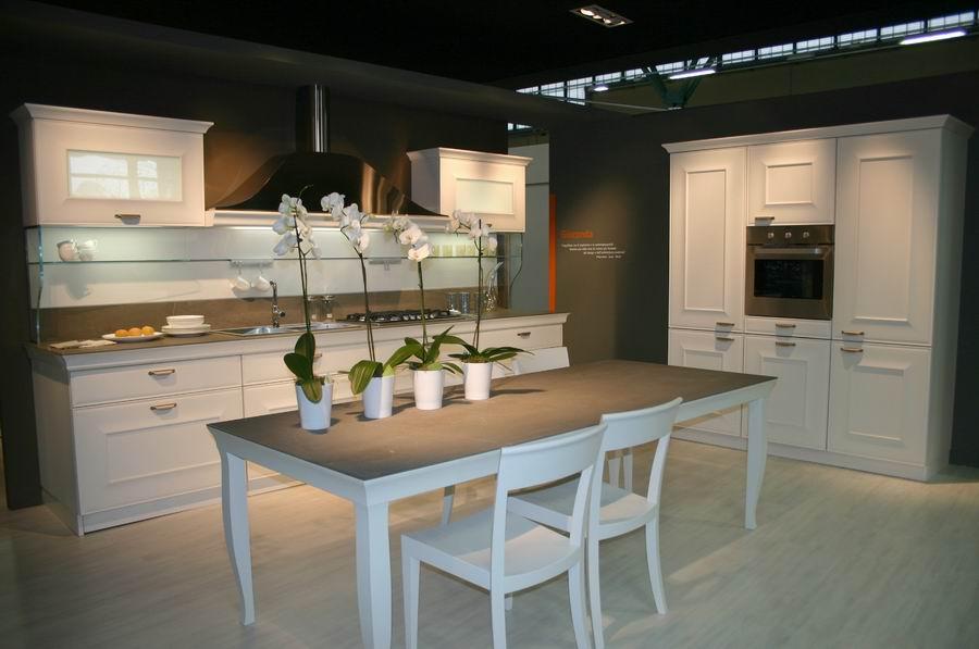 Salone del mobile bergamo stand cucine snaidero mod - Arredamento cucina salone ...